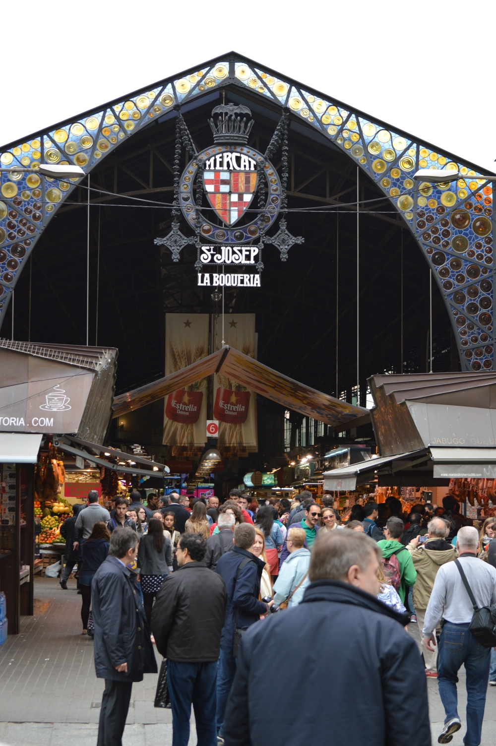 ,lifestyle blogger,glamthug blog,student in denmark,the life of a student abroad,photos with nikon d3200, la boqueria, markets in barcelona blog, where to eat in spain barcelona blog