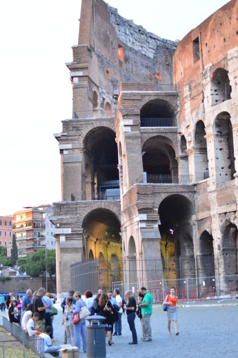 when in rome,what to do in rome,trastevere photos,photos taken with nikon d3200,glamthug blog, visit the capital of italy, lifestyle blogger,student abroad,cheap flights with ryanair, colloseum