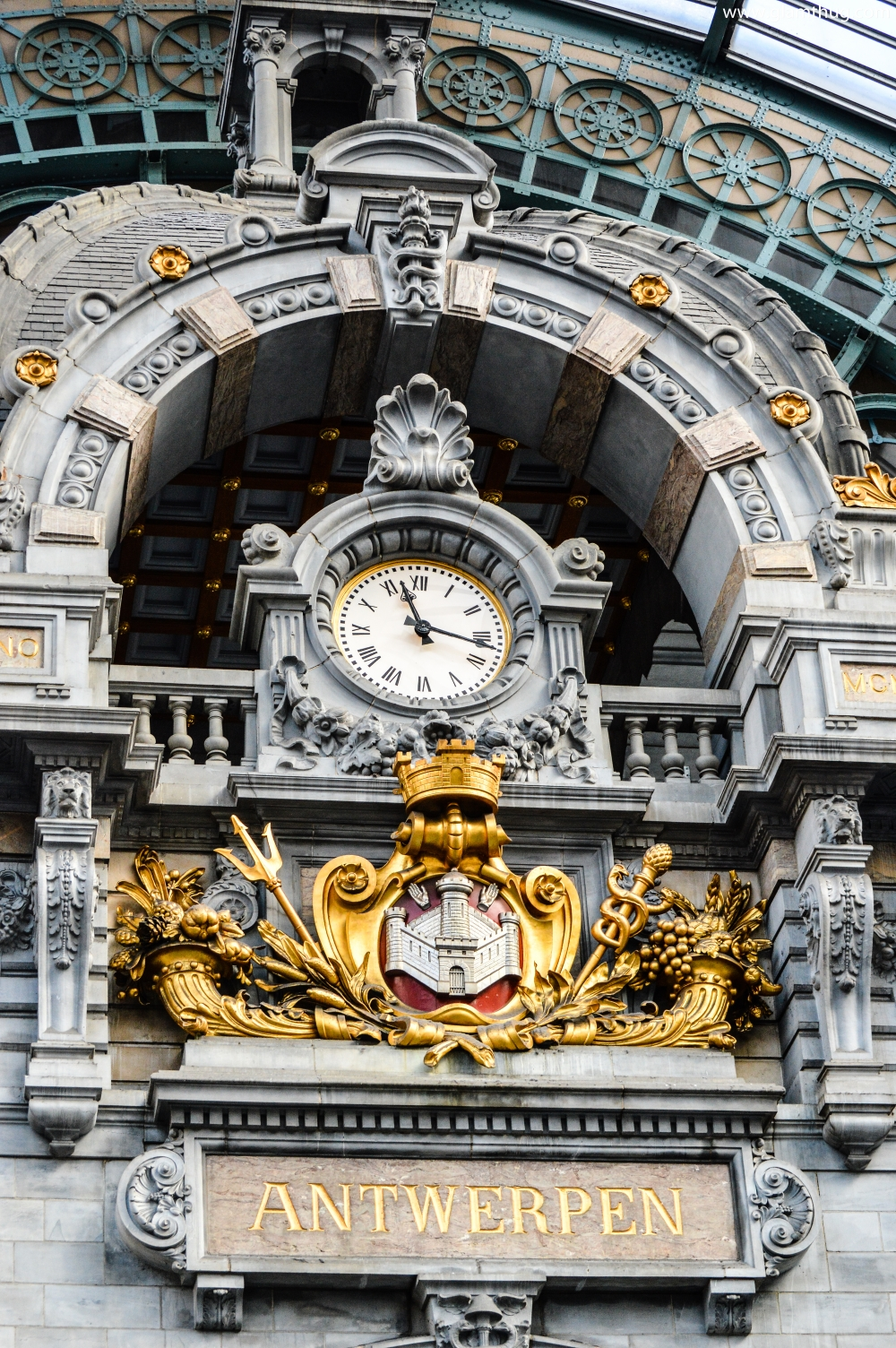 ,railway station 1895 ,glamthug blog,most beautiful train stations in the world, central station antwerp,