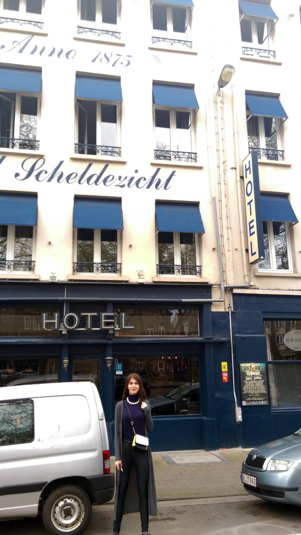 accommodation in Antwerp, where to stay in Antwerp, Scheldezich hotel opinions, glamthug blog,lifestyle blogger