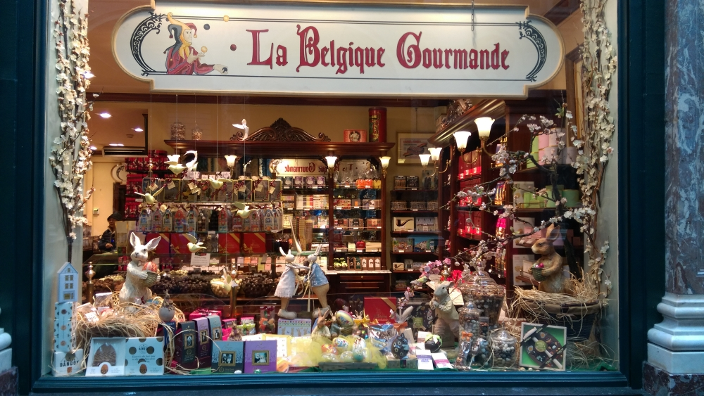 galerie de la reine, belgian chocolate, what to eat in brussels, glamthug blog, 10 reasons to love Brussels